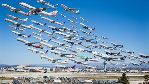 Photographer Captures 8 Hours' Worth Of Plane Take-offs In Single Image