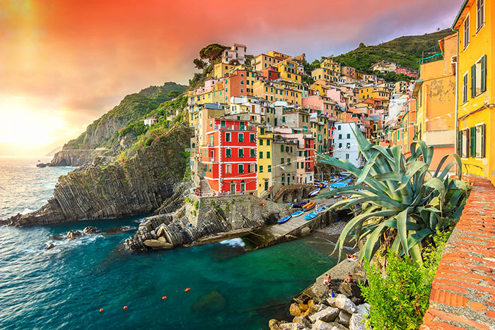 103 Of The Most Stunning Cliff-Side Towns And Villages