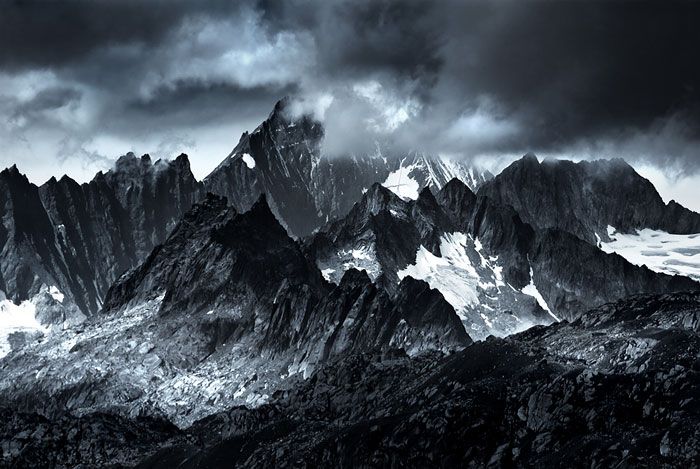 I Photographed Mountains That Look Like Mordor From The Lord Of The Rings
