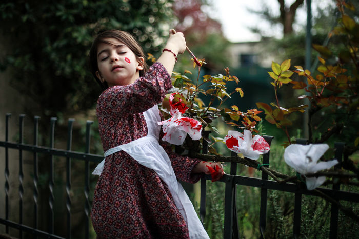 Mom Takes Pictures Of Daughter Posing As Fictional Characters She Loves