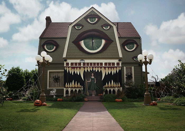 Artist Turns Parents' Home Into Haunted House Straight Out Of A Tim Burton Film