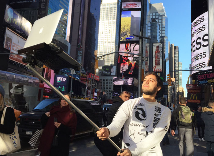 MacBook Selfie Sticks Are Even Funnier Than People Taking Photos With iPads