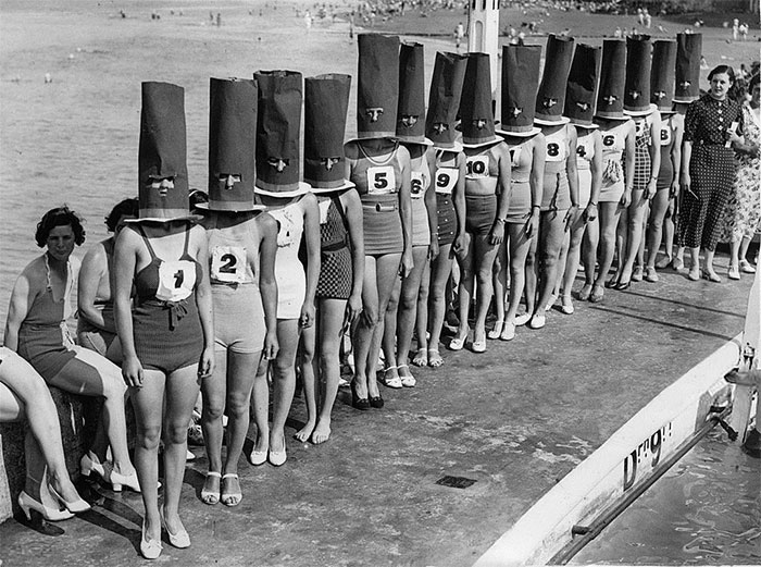 Faceless Beauty Contest In Cliftonville, 1936