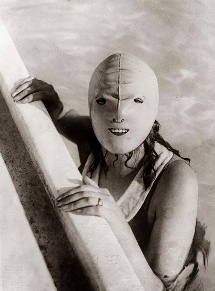 A Full-Faced Swimming Mask Helped Protect Women's Skin From The Sun, 1920s