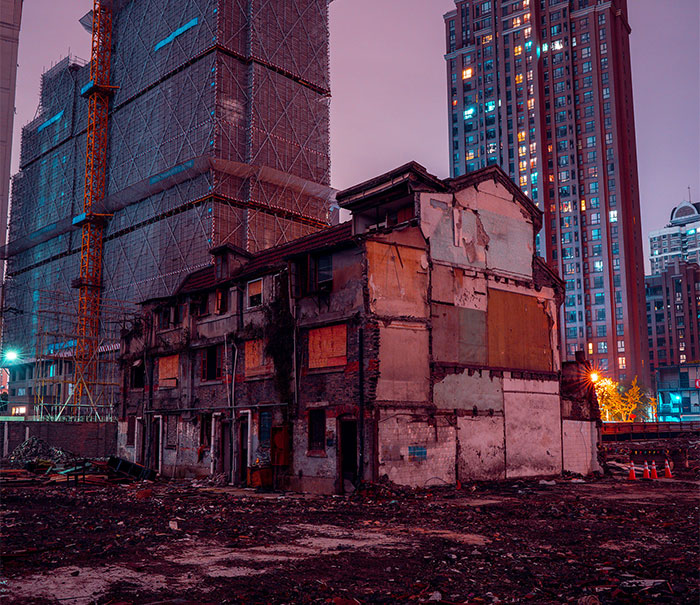 'Shikumen' Lane Houses Are Being Torn Down Across Shanghai, And I Wanted To Capture These Historic Streets Before It's Too Late (22 Pics)