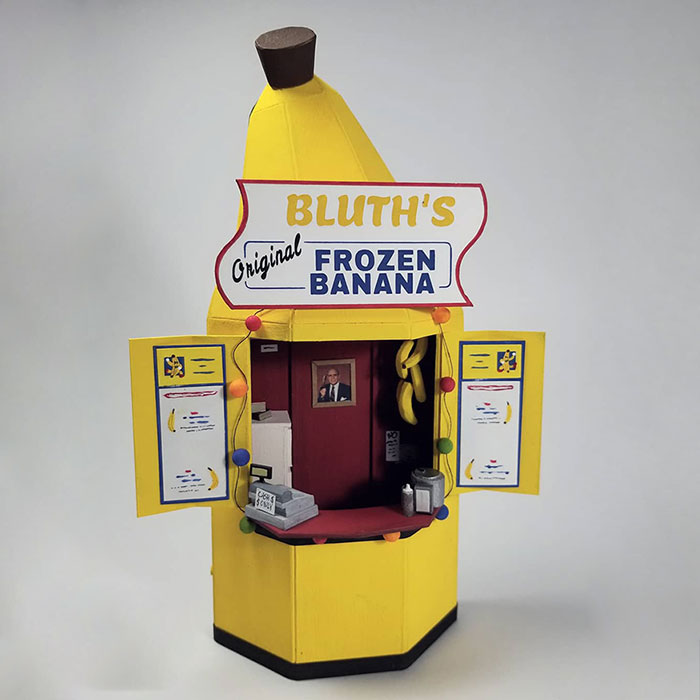 "I Made A Tiny Model Of The Banana Stand From ""Arrested Development"" Down To The Tiniest Bits (7 Pics)"