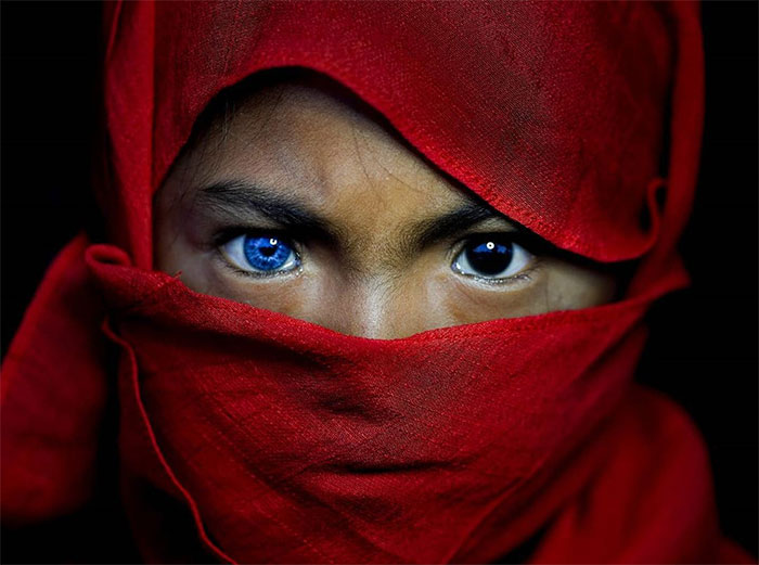 Photographer Documented An Indigenous Tribe With Strange Genetic Fluke That Causes Their Eyes To Turn Blue