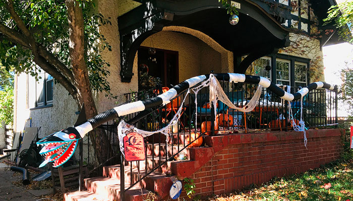 My Wife Was Not Okay With COVID-19 Ruining Her Halloween Plans, So She Built A Beetlejuice-Inspired Monster To Safely Deliver Candy To Trick-Or-Treaters