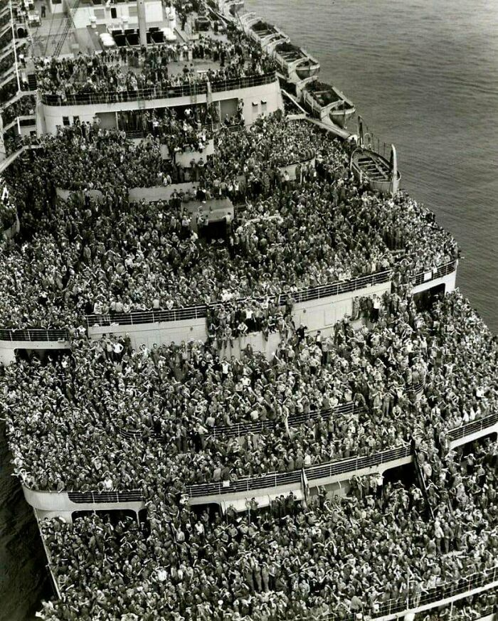 Soldiers Returning Home From WWII, 1945