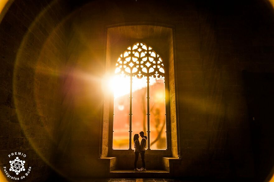 Golden Sun Rays And A Romantic Couple Photgraphed By Mayte Cruz