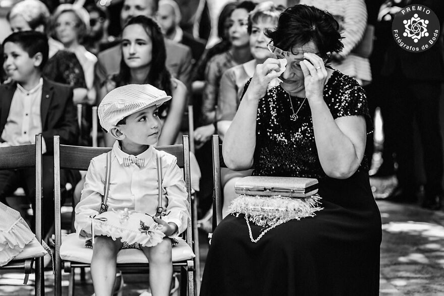 Sweet Moment Captured By Roberto Abril