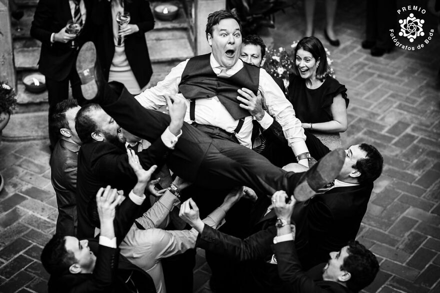Surprise And Happiness For The Groom Captured By Jordi Mora