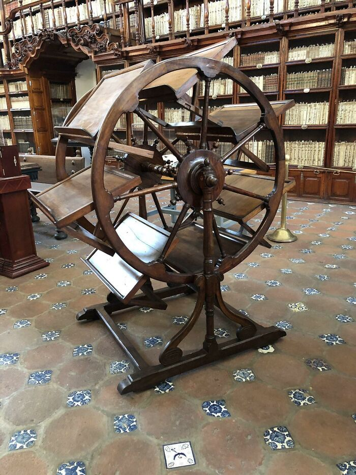 300 Year Old Library Tool That Enabled A Researcher To Have Seven Books Open At Once, Yet Conveniently Nearby (Palafoxiana Library, Puebla)
