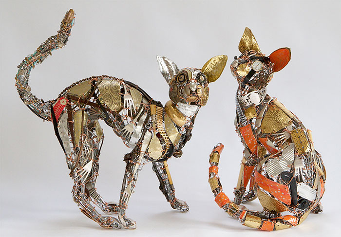 This Artist Repurposes Scrap Metal, Discarded Objects, And Textile Into Lifelike Animal Sculptures (116 Pics)