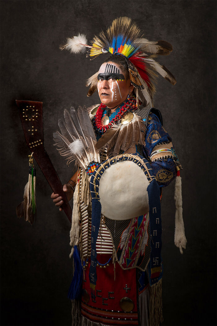 16 Authentic Portraits Of Native Americans Posing In Traditional Outfits