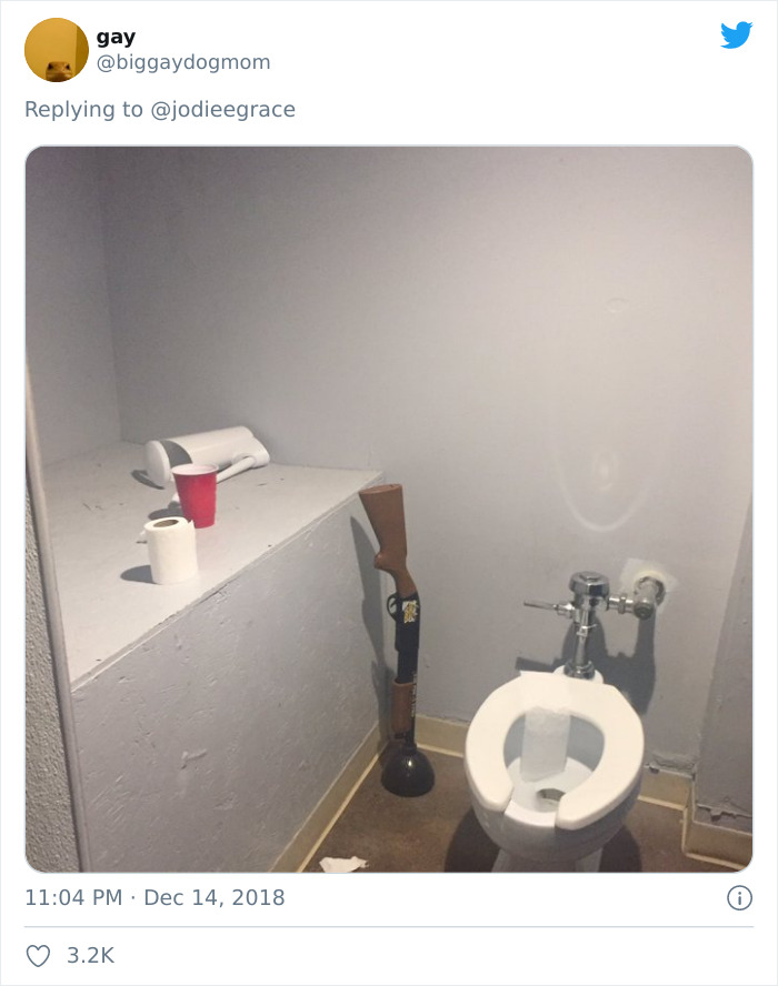 Weirdest-Thing-Boyfriend-Bathroom-Toilet-Twitter